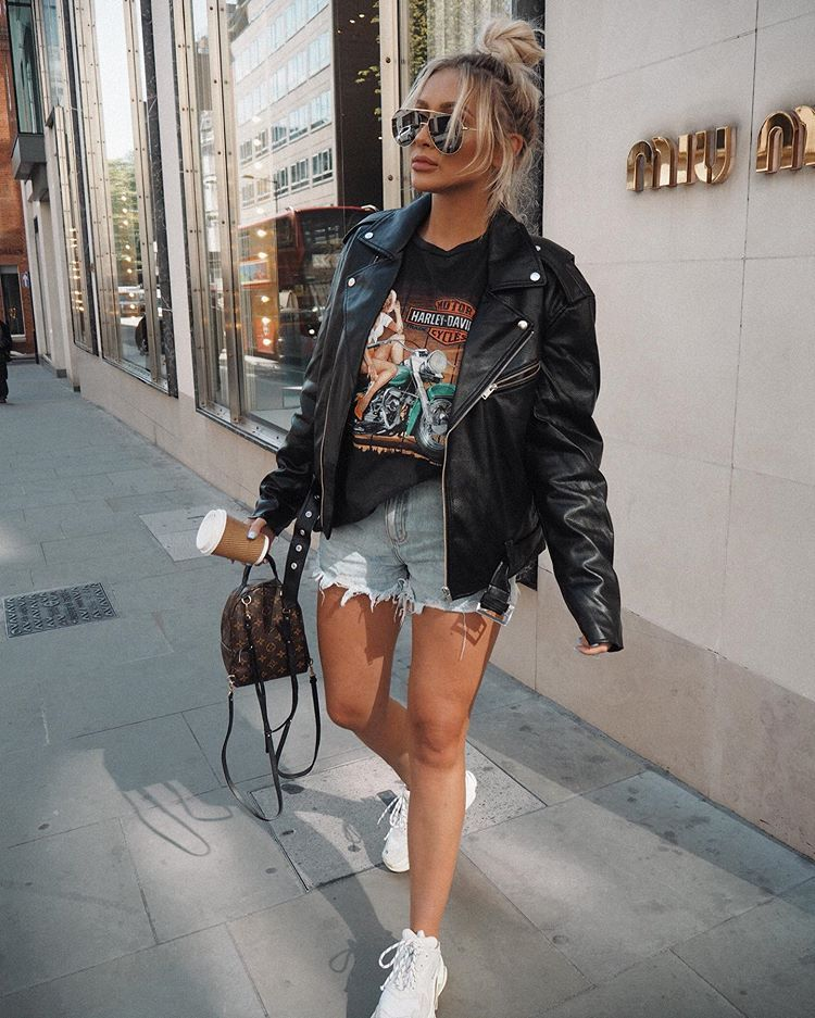 Sarah Ashcroft On Instagram Happy Monday Beauts Hoping For Another Sunny Week In London Outfit Tags In First 2 Pics London Outfit Fashion Outfits