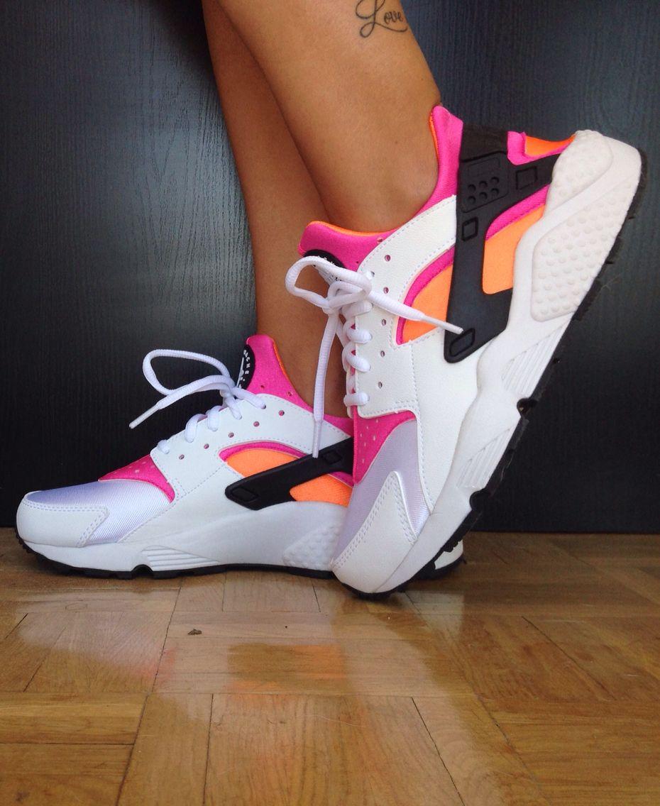 Nike Huarache White / Total Orange