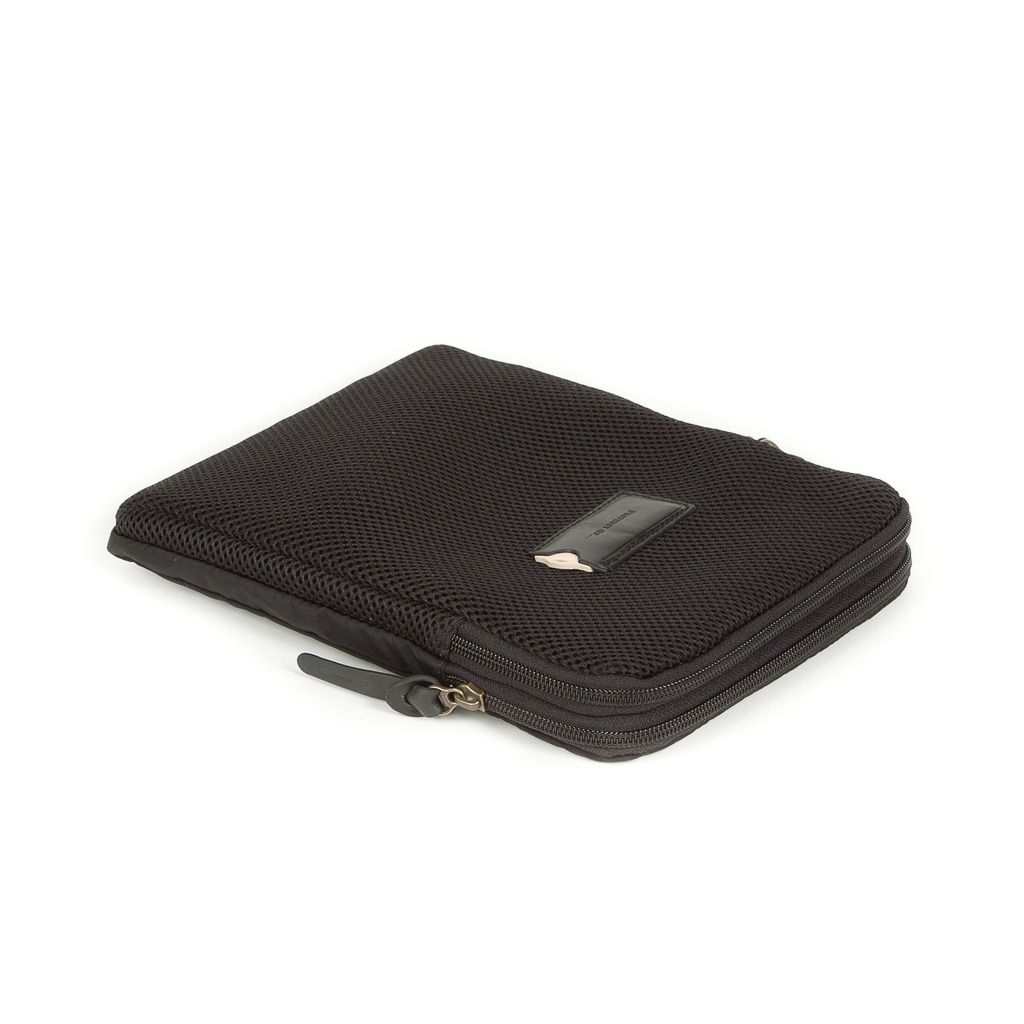 Sven Tablet Pouch Black| Keep your tablet well stored in this nylon & mesh pouch. The double compartments offer enough space to carry some documents along. The leather ID tag tops it off. |STYLISH LEATHER GOODS | TRAVEL ACCESSORIES | THE PROPERTY OF | CLASSIC DESIGN |