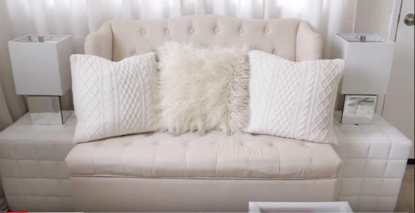 Living room tour by Christine Kobzeff youtu.be/A6lN0NDku4I