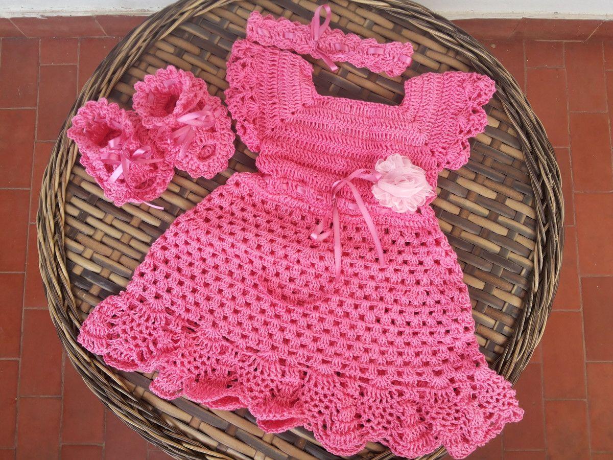Contem um vestido uma sandalinha e uma tiara . Fazemos para todas as  idades. Pecas feitas em linha 100% algodao. 3a794e76bce