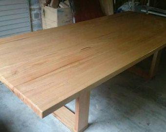 Handmade dinant l'ensemble acier & table de bois par Poppyworkspl