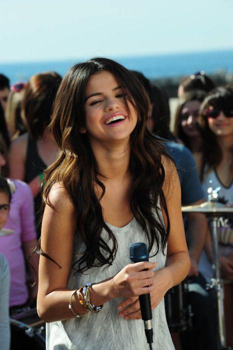 Pin by JASON BOWEN on selena gomez who says video | Selena Gomez, Selena, Selena gomez who says