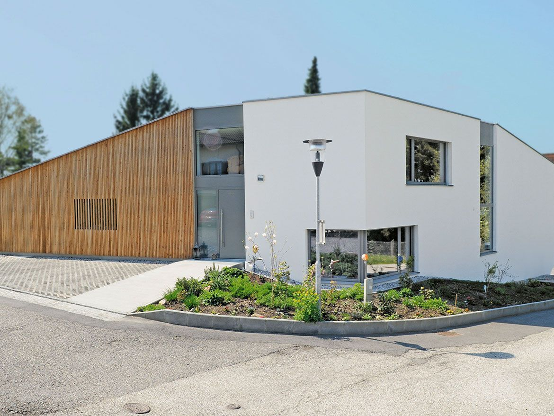 M Haus Mit Teilweiser Holzfassade