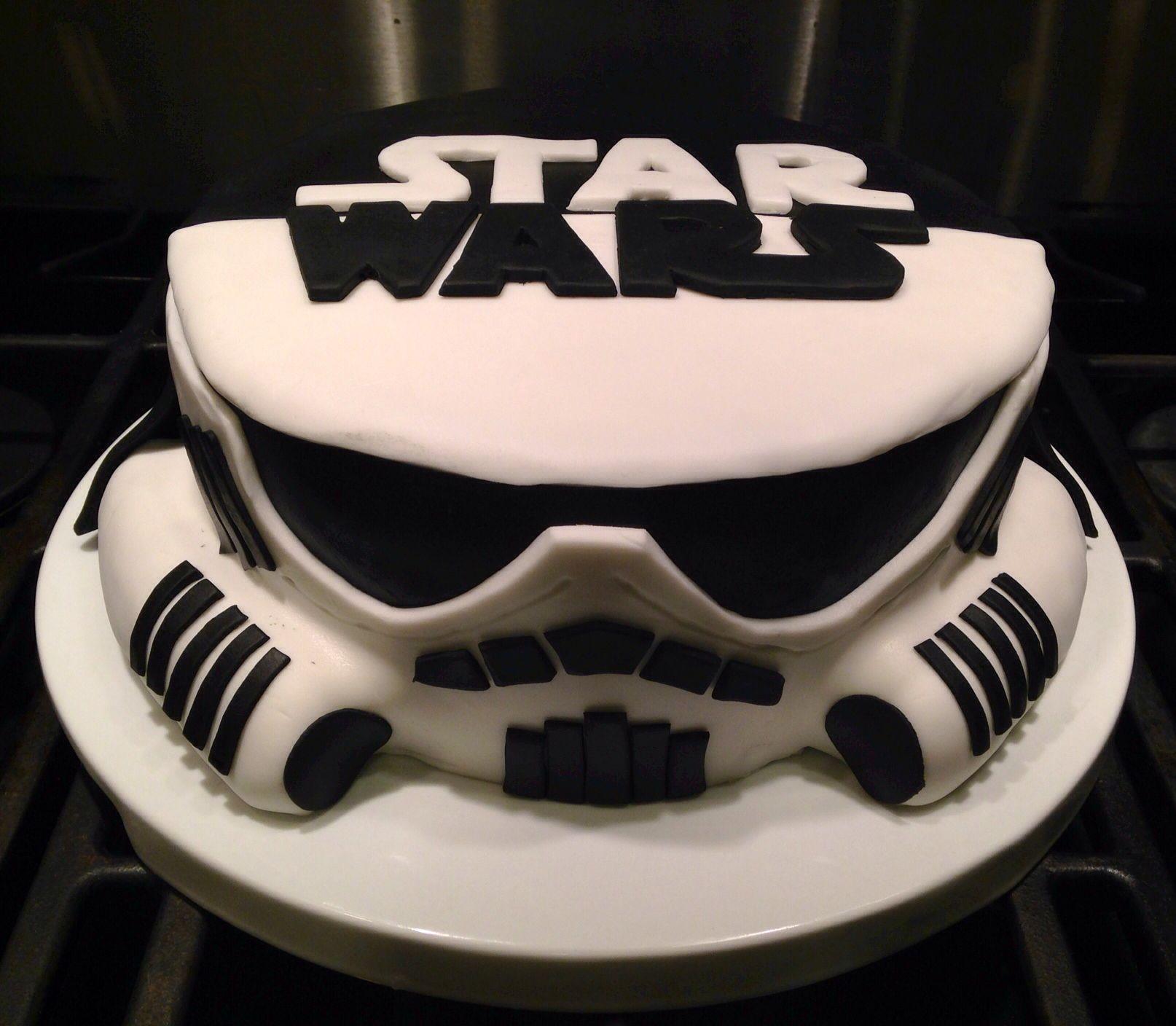 Star Wars Stormtrooper And Darth Vader Cake Lol In 2018