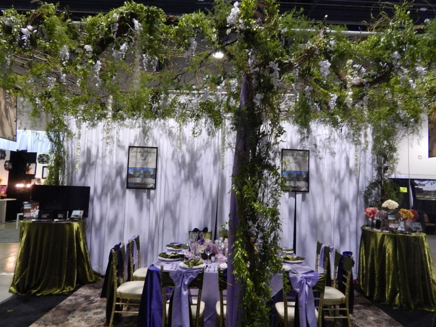 Lakeside Weddings Events Http Www Lakesideweddings Wedding Receptions In Las Vegas Brought To Life The Ever Por Woodland Theme