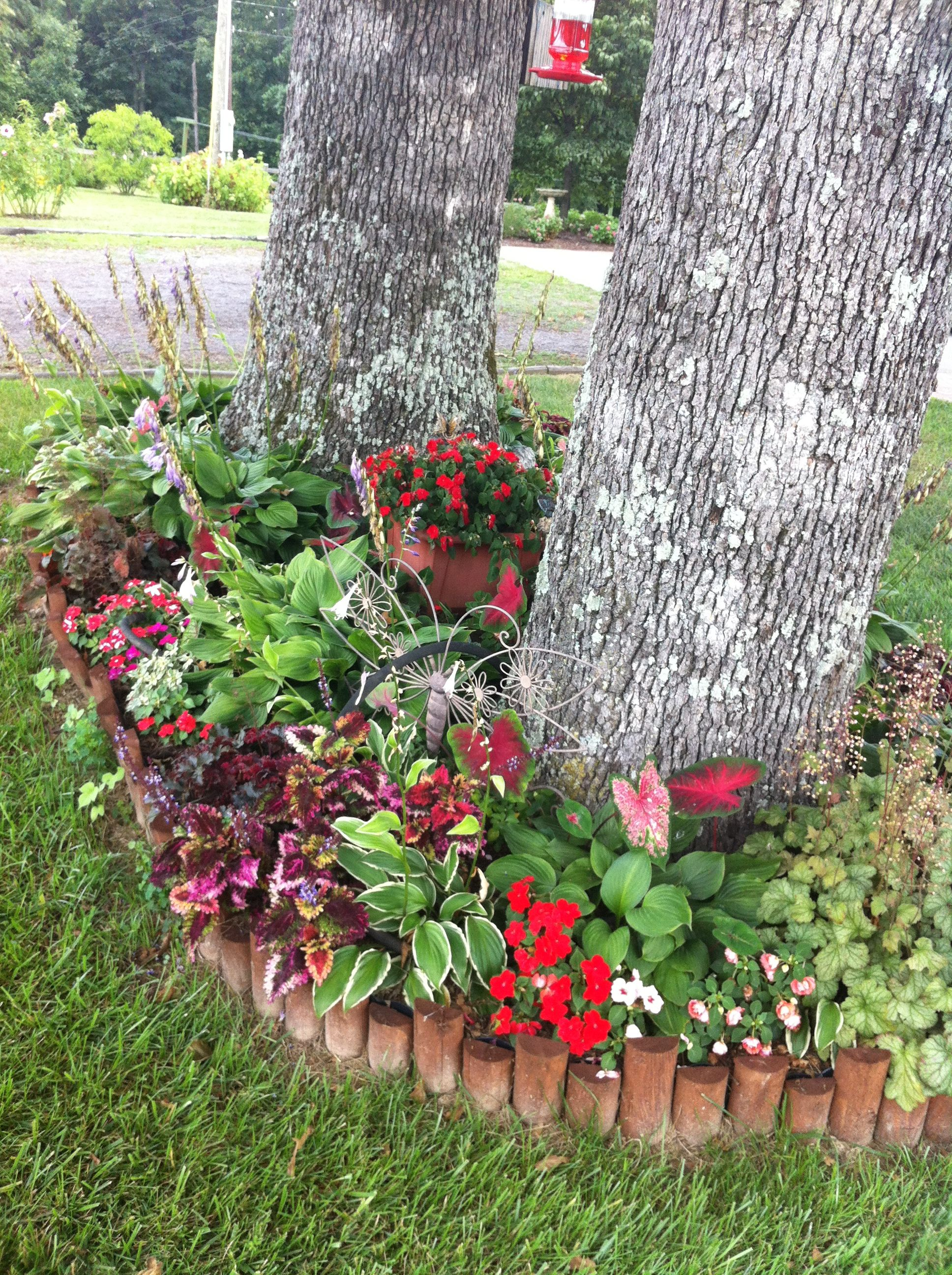 Pinner Writes My Shade Flower Bed Consists Of Hostas 400 x 300