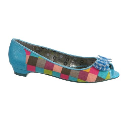 Poetic Licence Shoes Flats Danty Doll in Pink  http://stores.hoodooshoes.com/-strse-1970/Poetic-Licence-Shoes-Flats/Detail.bok