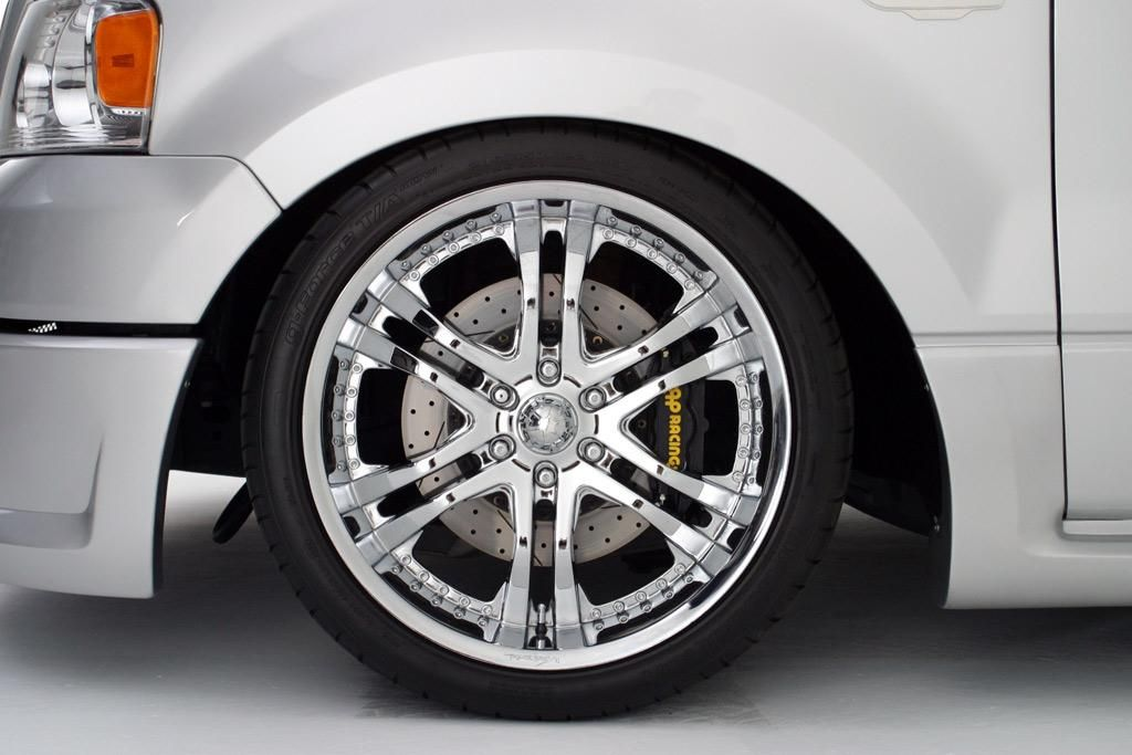 STILLEN cross drilled slotted rotors and AP Racing brake kit