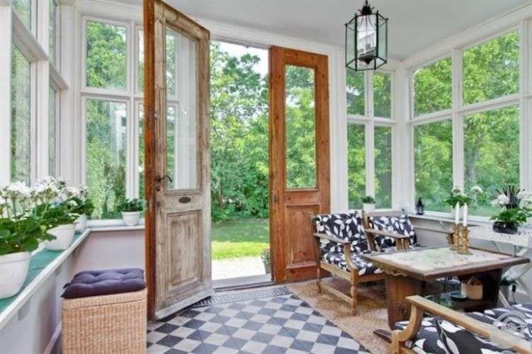 Come ristrutturare una casa in campagna - Vetrate stile rustico ...
