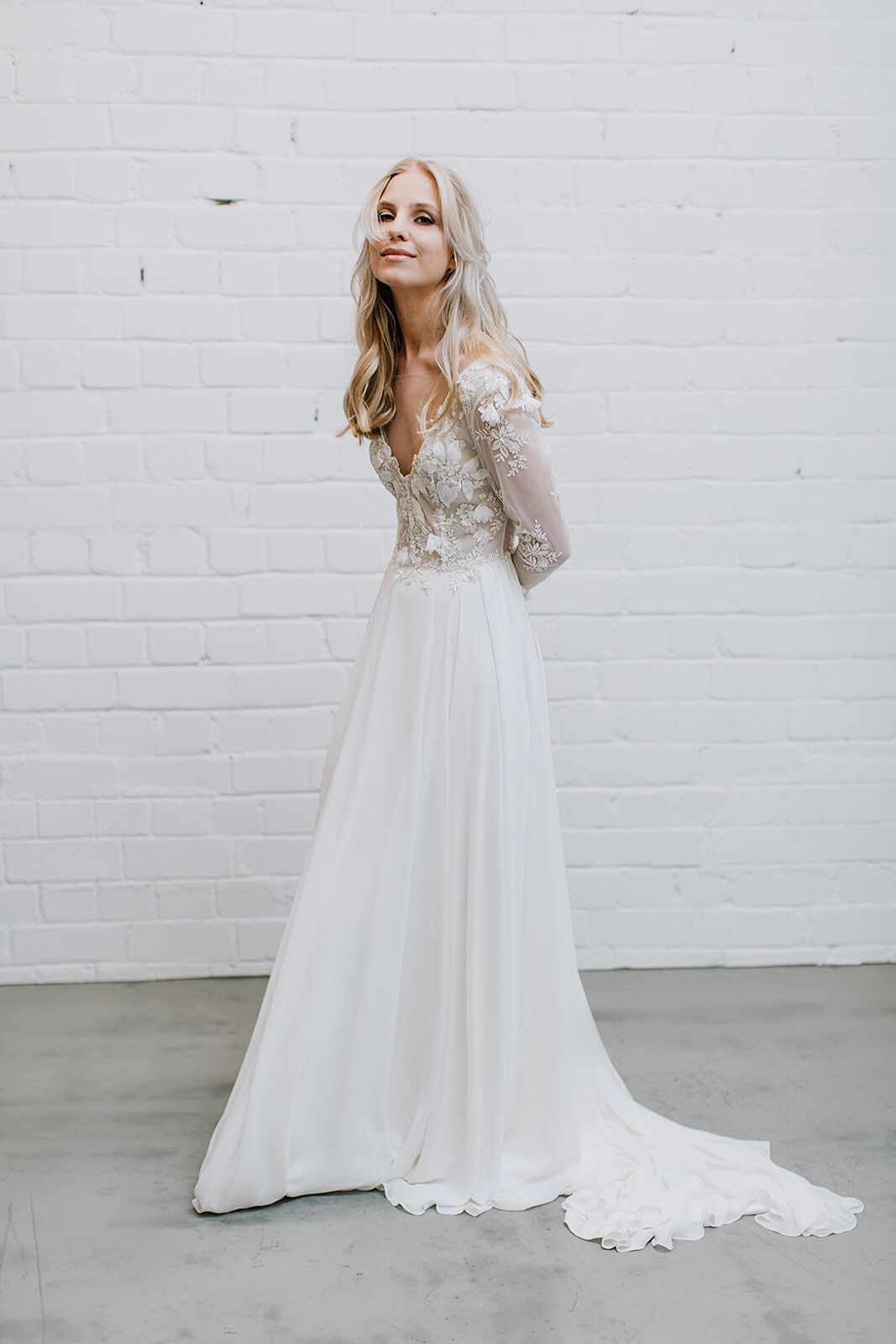 Lace wedding dress deep v neckline gown long sleeve wedding dress