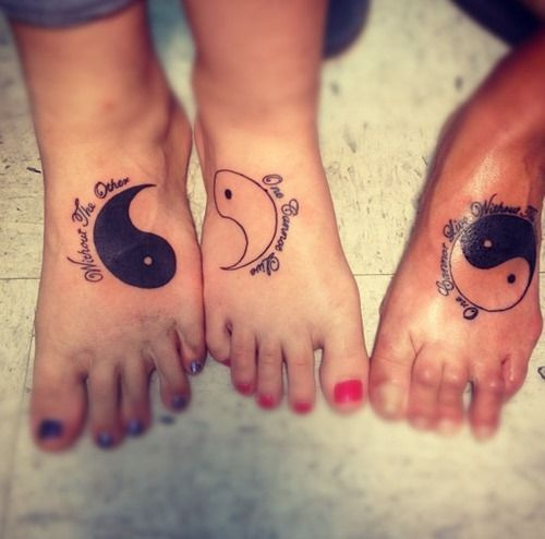 20 Mother Daughter Tattoo Ideas (3)-- can\'t really read the quote ...