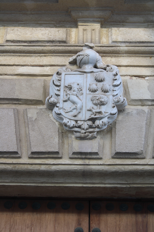 escudos heráldicos en palacios y casas de cargadores de El Puerto de Santa María