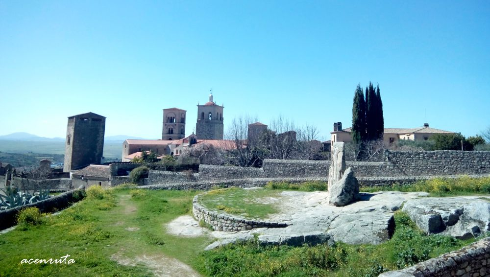 Trujillo. Vista monumental desde la explanada de la Alcazaba