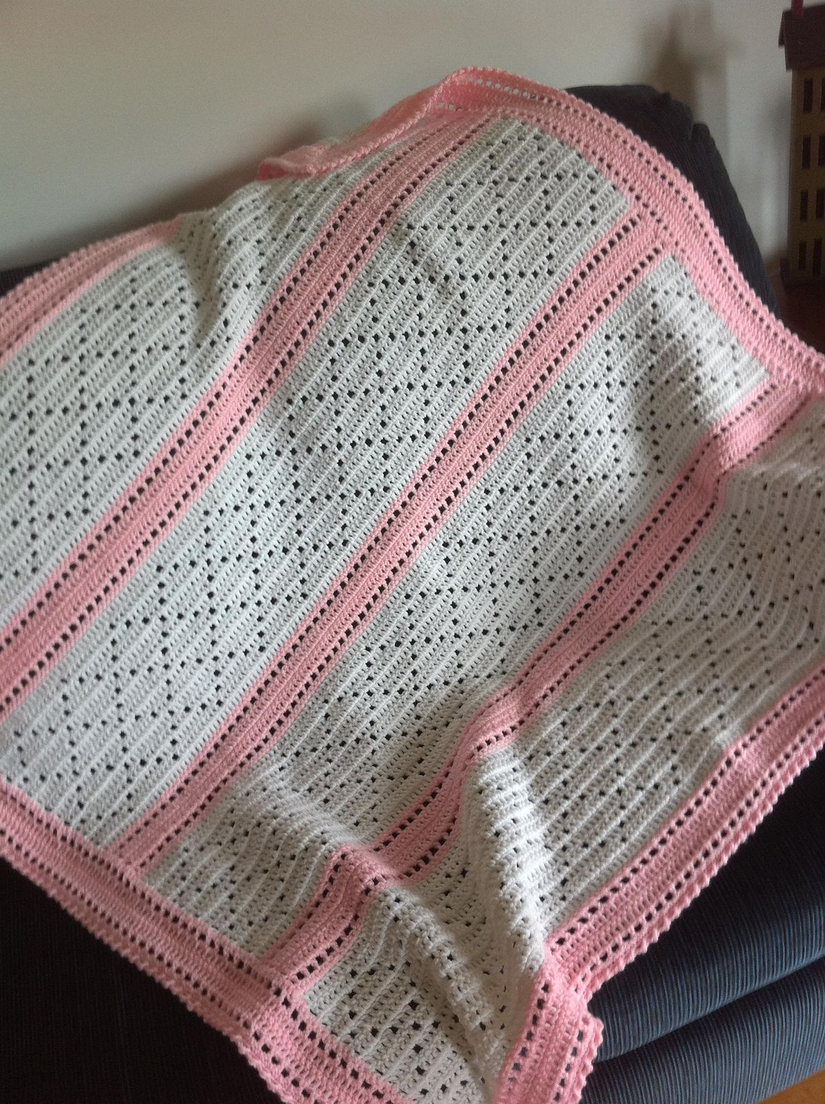 Ravelry: Lazy Daisy Blanket by Mary Jane Protus Would be a great way ...