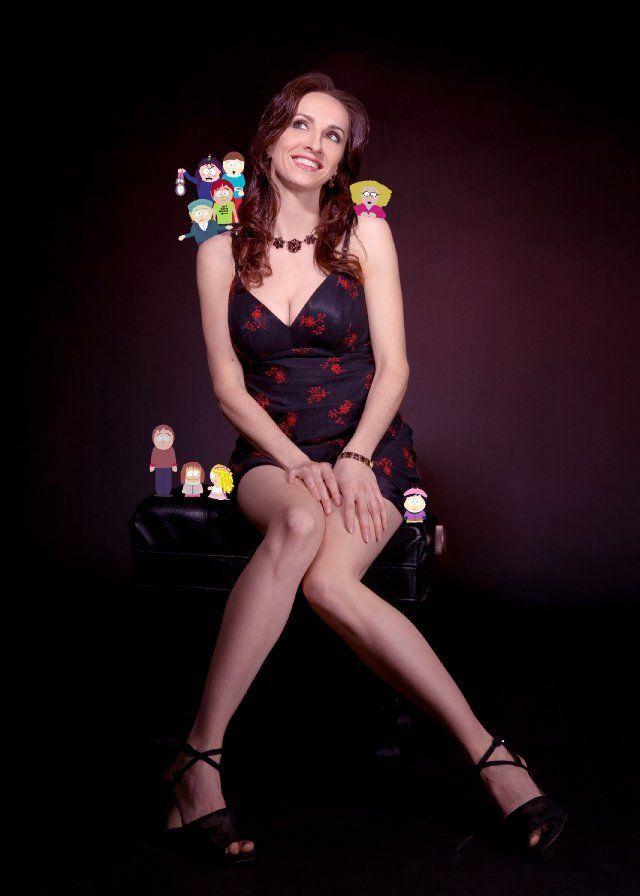 Eliza Schneider Nude Photos