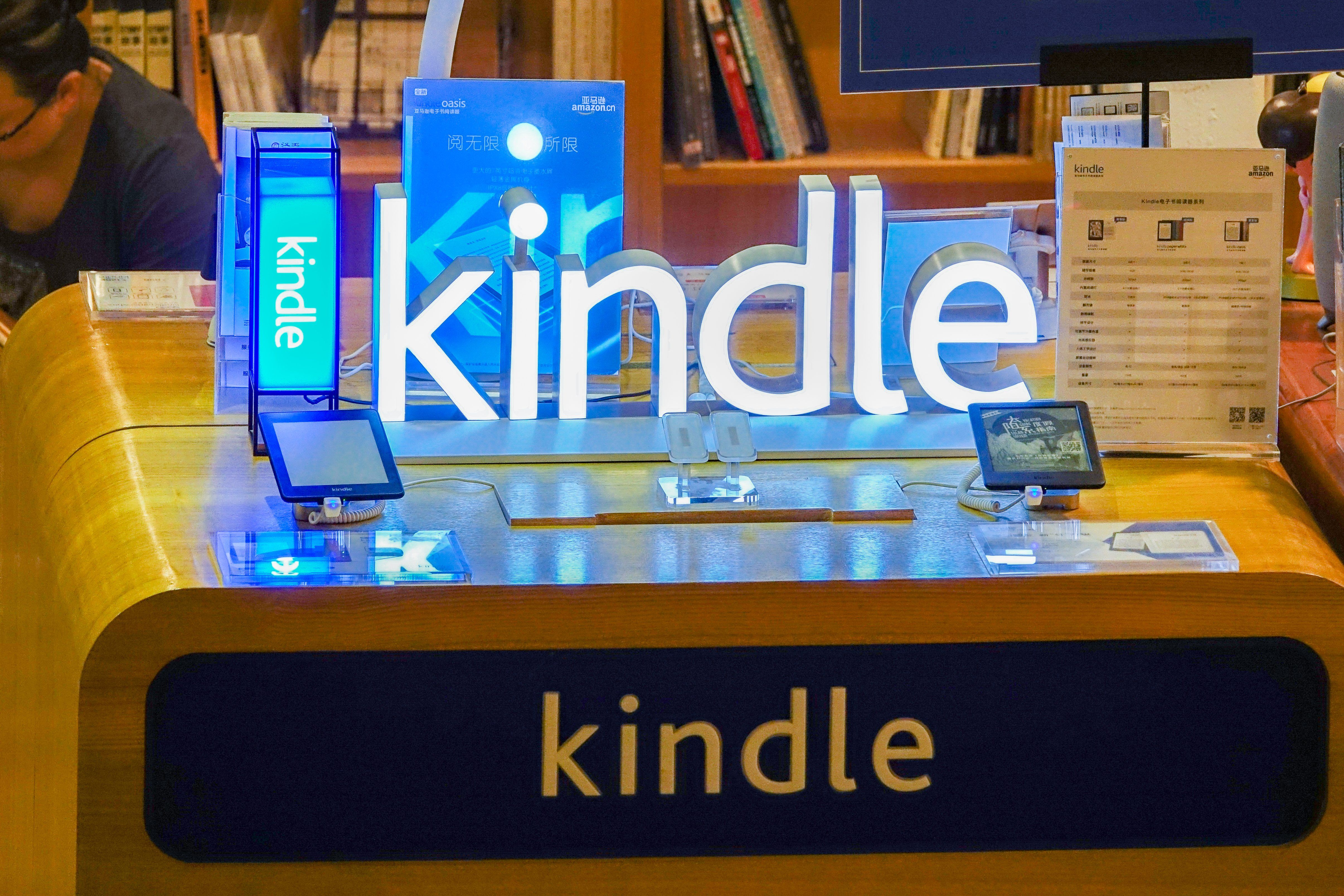 Flash Deal Amazon Kindle Prices Are As Cheap As Black Friday Right Now In 2020 Kindle Deals Amazon Kindle Kindle