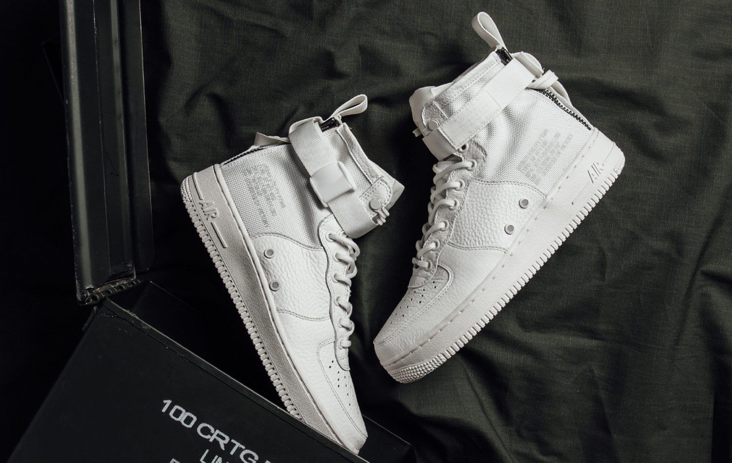 best loved 545a0 50fb2 Nike SF Air Force 1 Mid