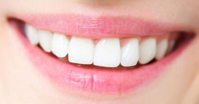 Chúng ta thường dành rất nhiều tiền vào khoản chăm sóc sắc đẹp, từ kem dưỡng da, son môi, kẻ mắt… nhưng lại bỏ quên một bộ phận quan trong không kém để làm khuôn mặt bạn thêm rạng ngời, đó là hàm răng. Với một hàm răng xỉn màu, bạn khó có thểtự tin cười tươi được.    Và hiển nhiên, kem đá...  http://cogiao.us/2017/01/01/thi-ra-day-moi-la-cach-chon-kem-danh-rang-thong-minh-