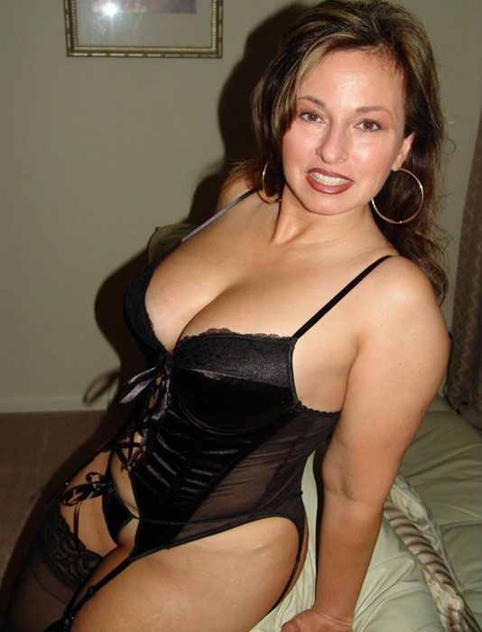 Find A Cougar Woman