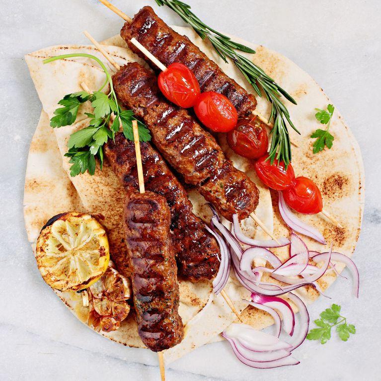 Turkisch Kochen Wurzige Rezepte Von Kebab Bis Kichererbsensalat Rezepte Turkisches Essen Rezepte Turkisch Kochen