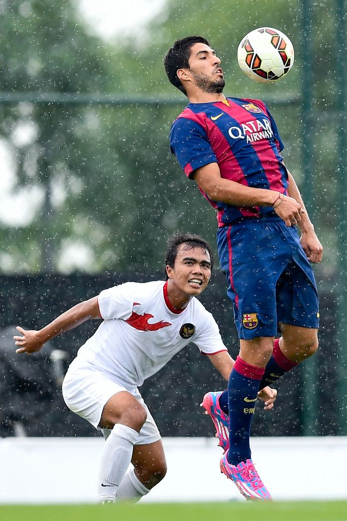 Luis Suarez of FC Barcelona in action during a friendly match between FC  Barcelona B and Indonesia U19 at Ciutat Esportiva on September 24 6b9397731960c