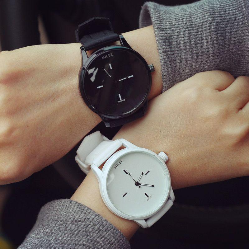 44d16168d83 Barato Moda de alta qualidade da marca de Silicone suave Strap Jelly relógio  de quartzo de pulso para mulheres senhoras amantes Black White