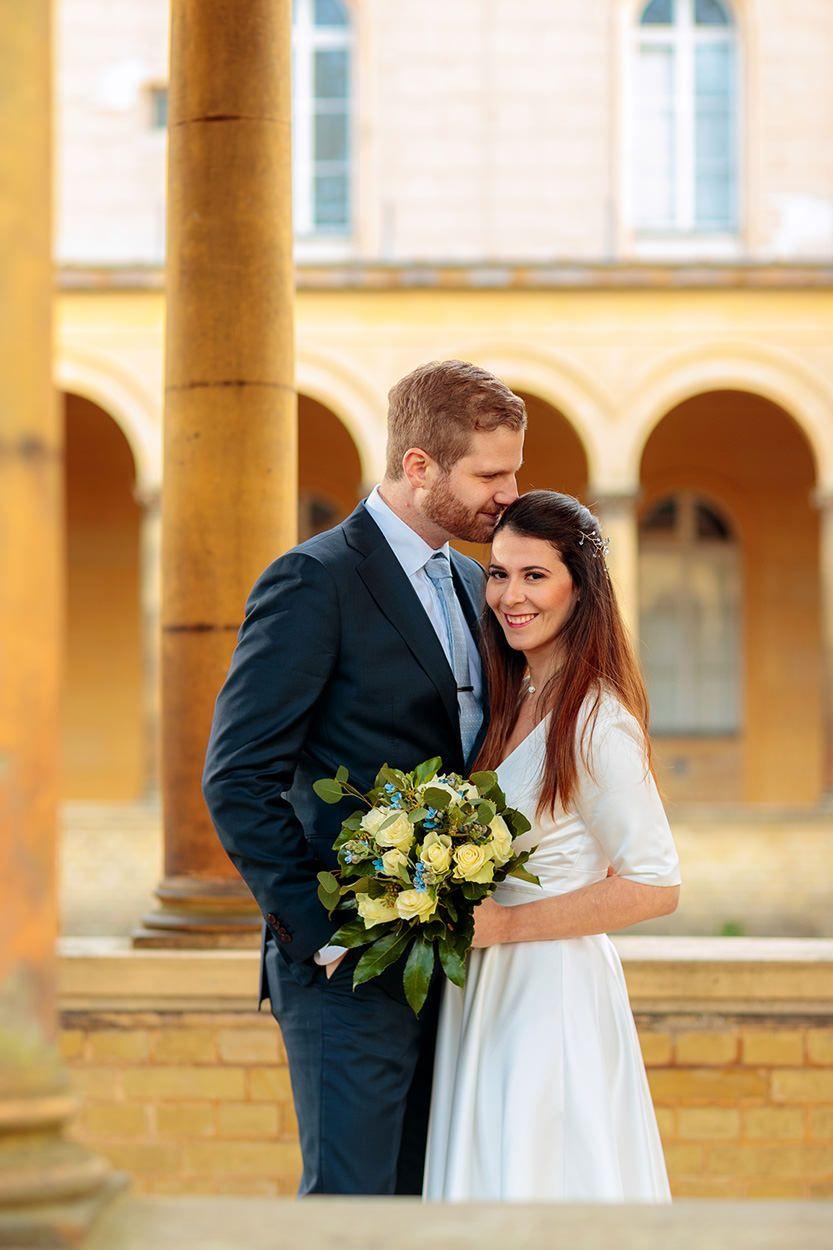 Hochzeit Verschieben So Geht S Die 5 Wichtigsten Fragen Antworten Spruche Einladung Hochzeit Hochzeitseinladung Hochzeit