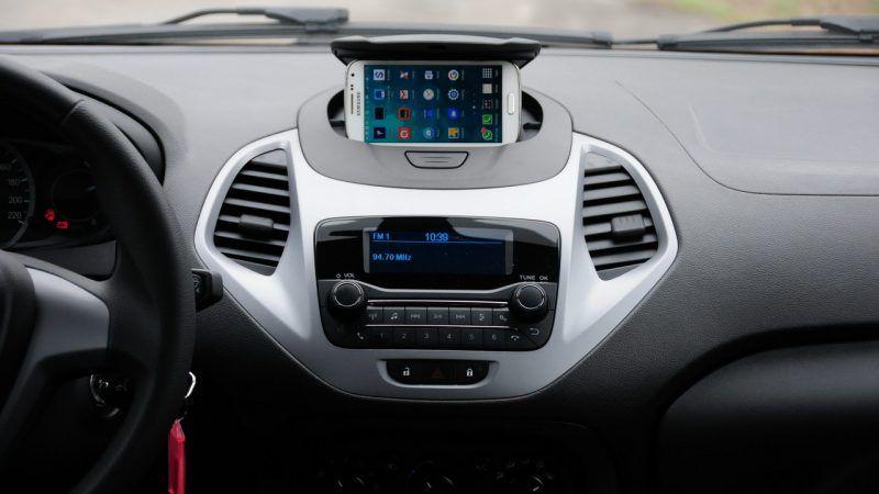 Acima O Inteligenge Suporte Para Celular Abaixo O Radio Myconnection Com Bluetooth Suporte Para Celular Ford Radios