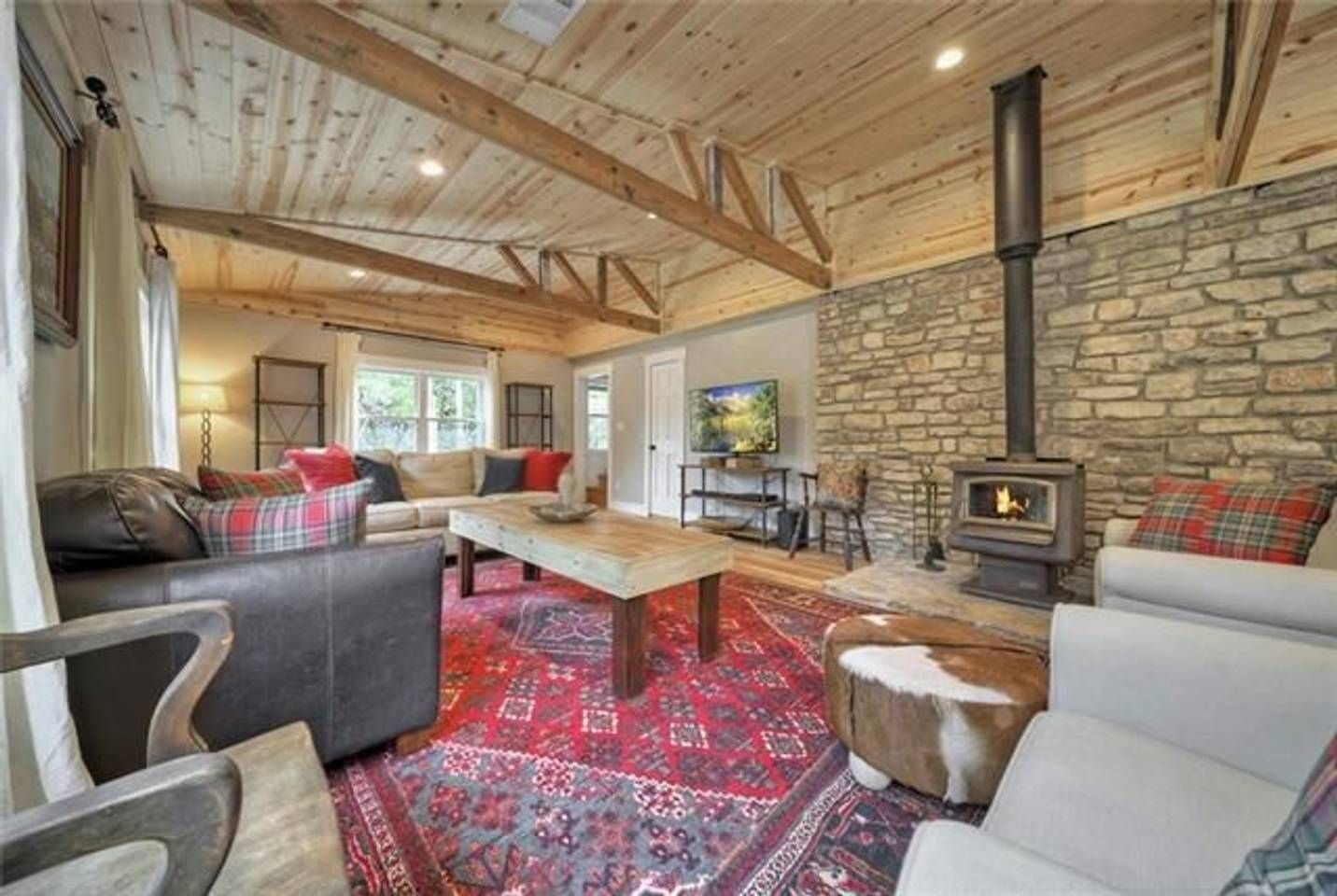 A Creekside Farmhouse Houses for Rent in Wimberley