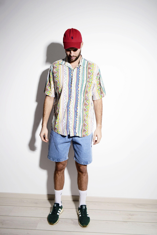 Vintage summer 90s pattern mens shirt