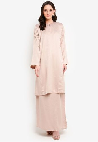 Baju Kurung Pahang Habeeba from Butik Sireh Pinang in Brown - BAJU KURUNG MODEN