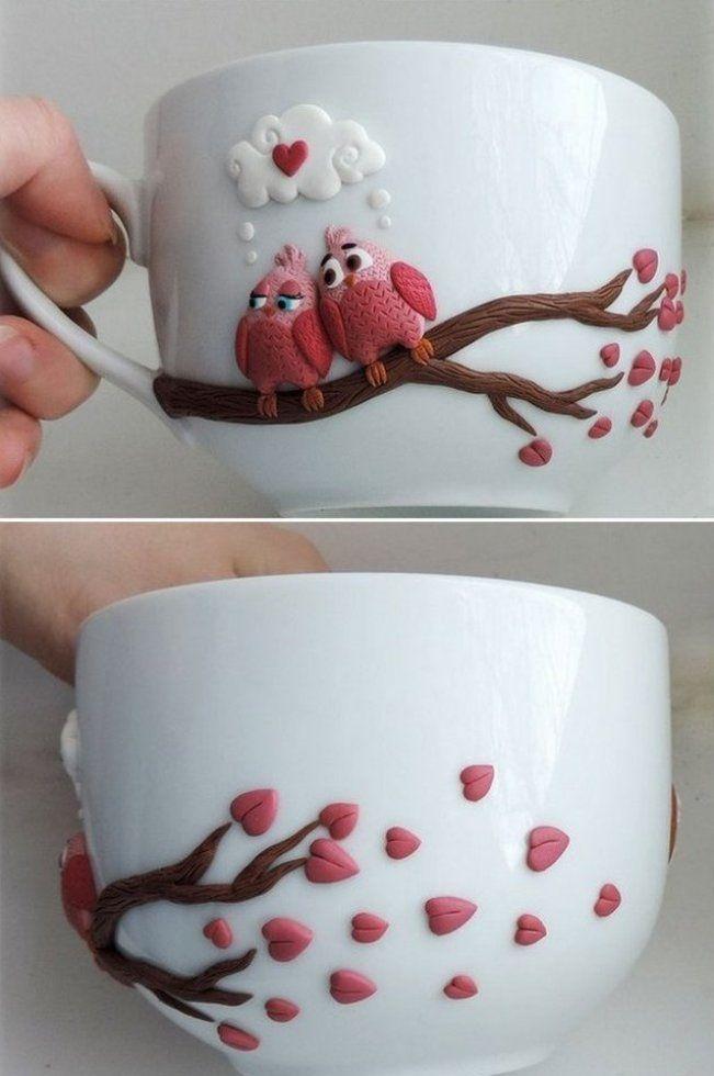 Изделия из холодного фарфора (40 фото): чудеса своими руками http://happymodern.ru/izdeliya-iz-xolodnogo-farfora-40-foto-chudesa-svoimi-rukami/ Фигурками из холодного фарфора можно украсить чашку