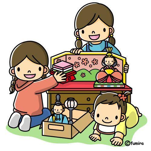 Kinderen spelen met poppenhoek