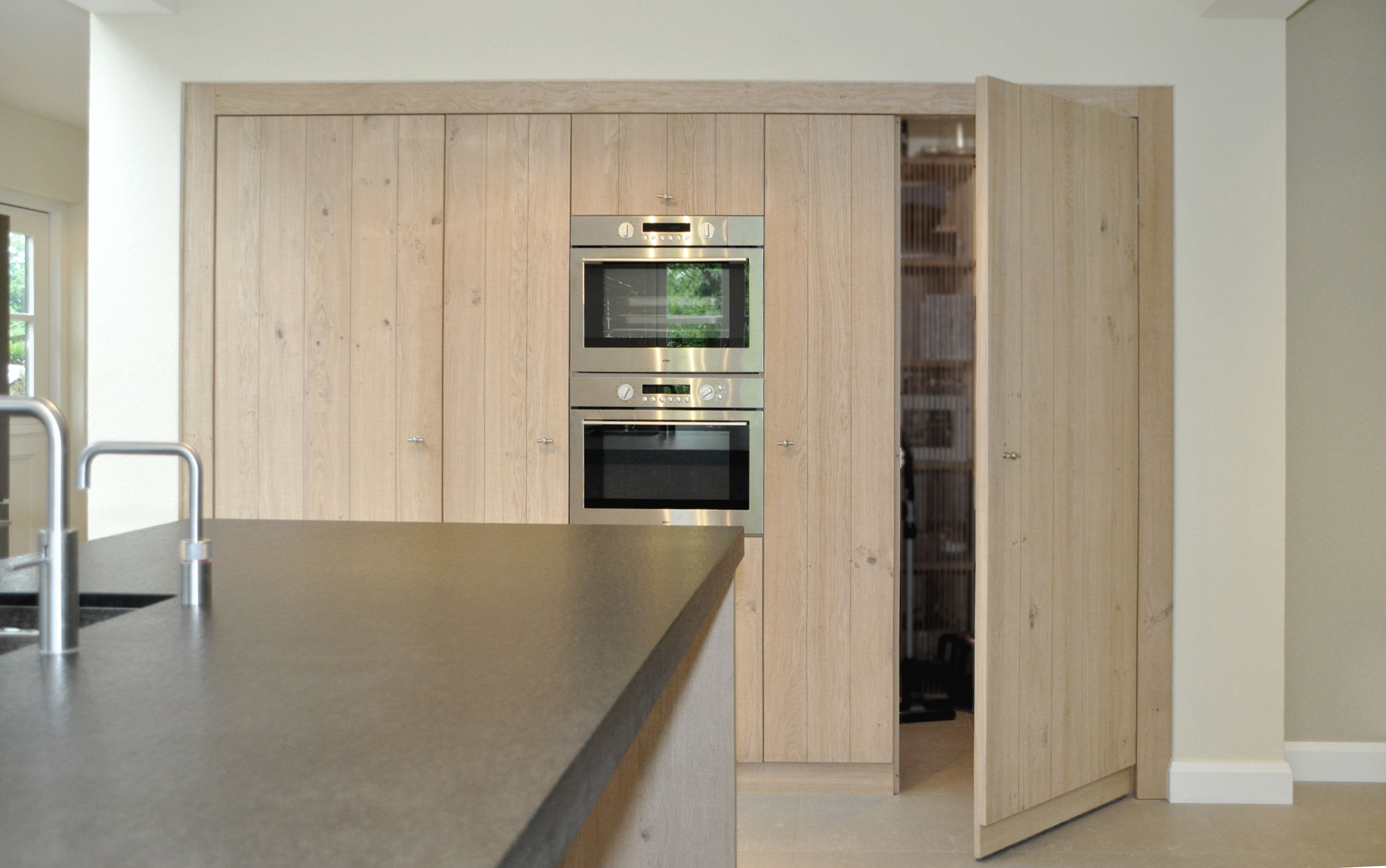 Keukenkast Zonder Deur : Verborgen deur in kastenwand keuken herijgers droomhuis