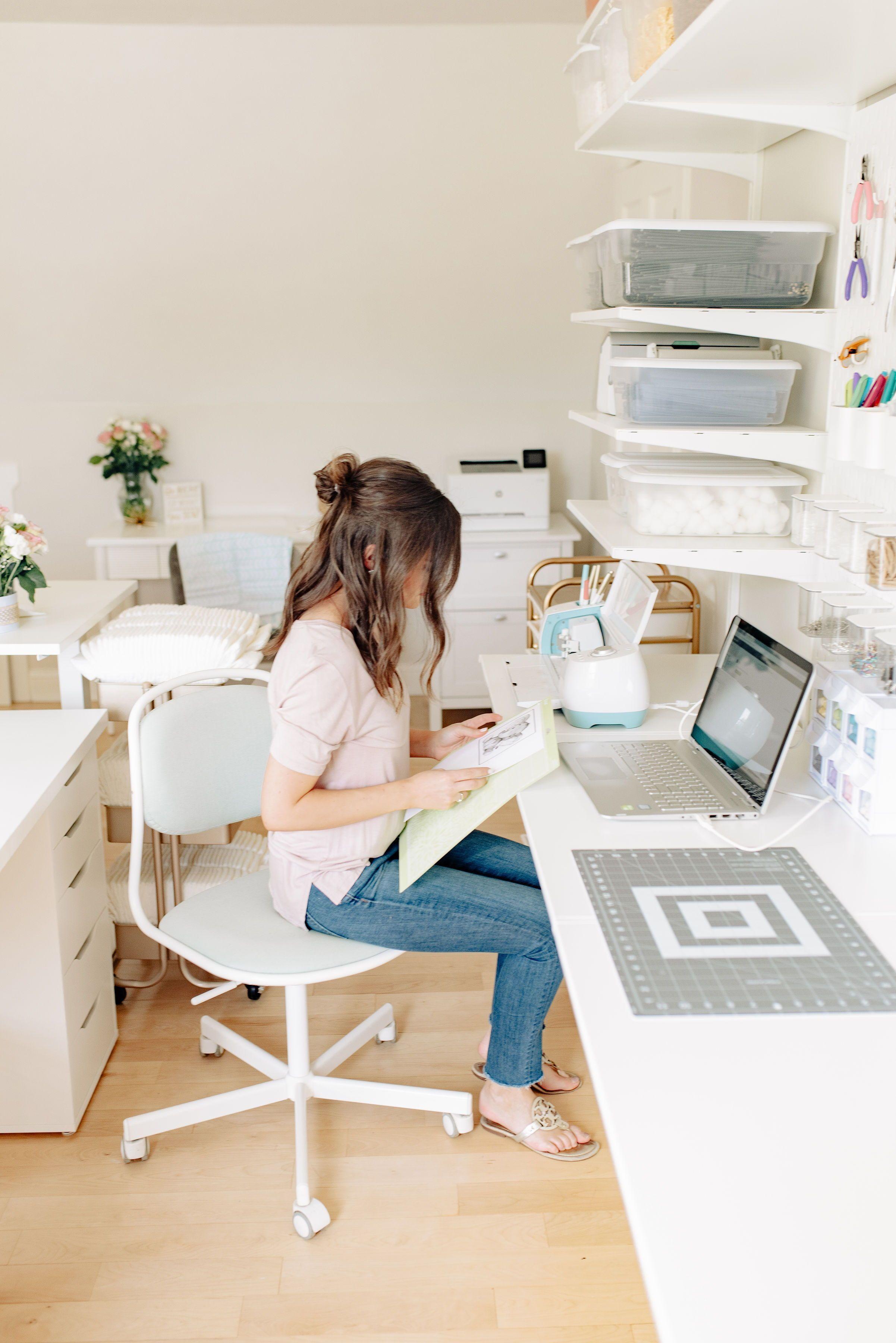 Cricut Workspace Organization, Scrapbook Room Ideas Cricut Work Station Organization Desk… in ...