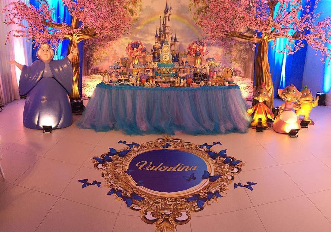 "32 Me gusta, 2 comentarios - A Bela Fiesta (@belafiesta) en Instagram: ""Mais uma dessa festa Cinderella por @thanksfestas 💗💗💗 #festamenina #abelafiesta #kidspartyideas…"""