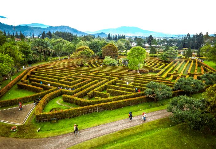 Taman Bunga Nusantara Cipanas Bogor