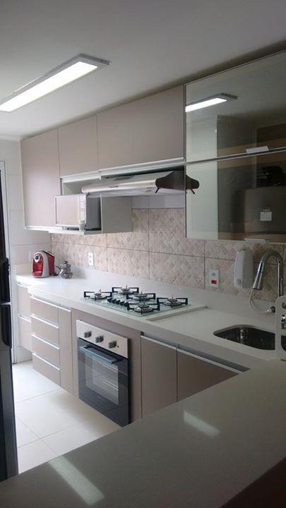 Pin de surisaday vivas b en cocina pinterest cocinas for Muebles para cocinas pequenas modernas