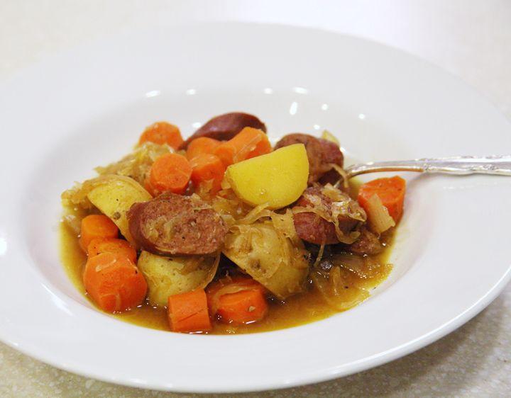 how to cook sauerkraut and kielbasa in a crockpot