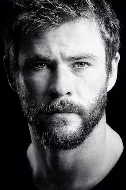 Top 50 Hd Wallpapers In Mobile Phone Mobile Wallpaper 4k Chris Hemsworth Thor Hemsworth Chris Hemsworth