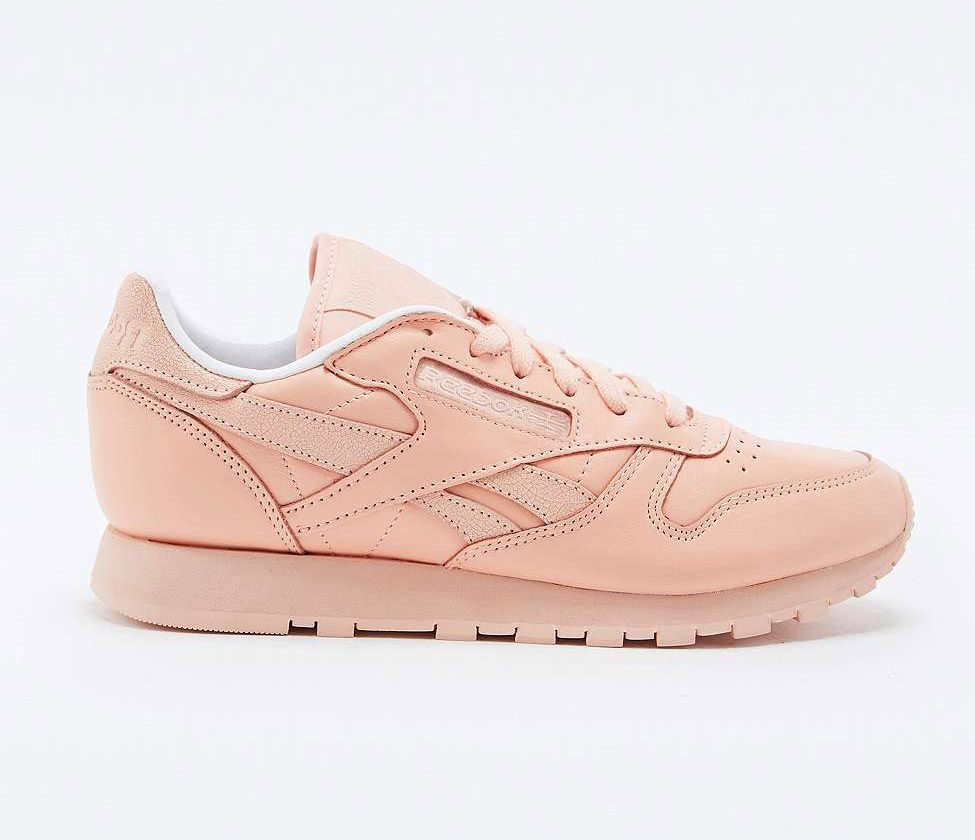 bd4e14c1abb233 Reebok Classic Peach Leather Trainers