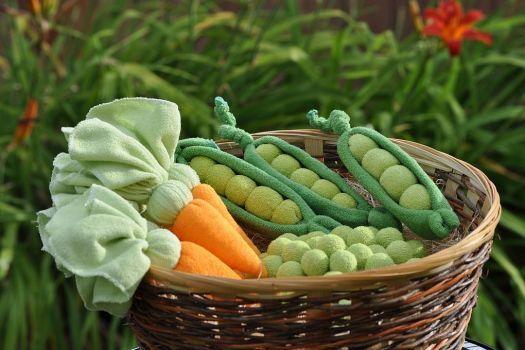 Baby washcloth vegetables tutorial.