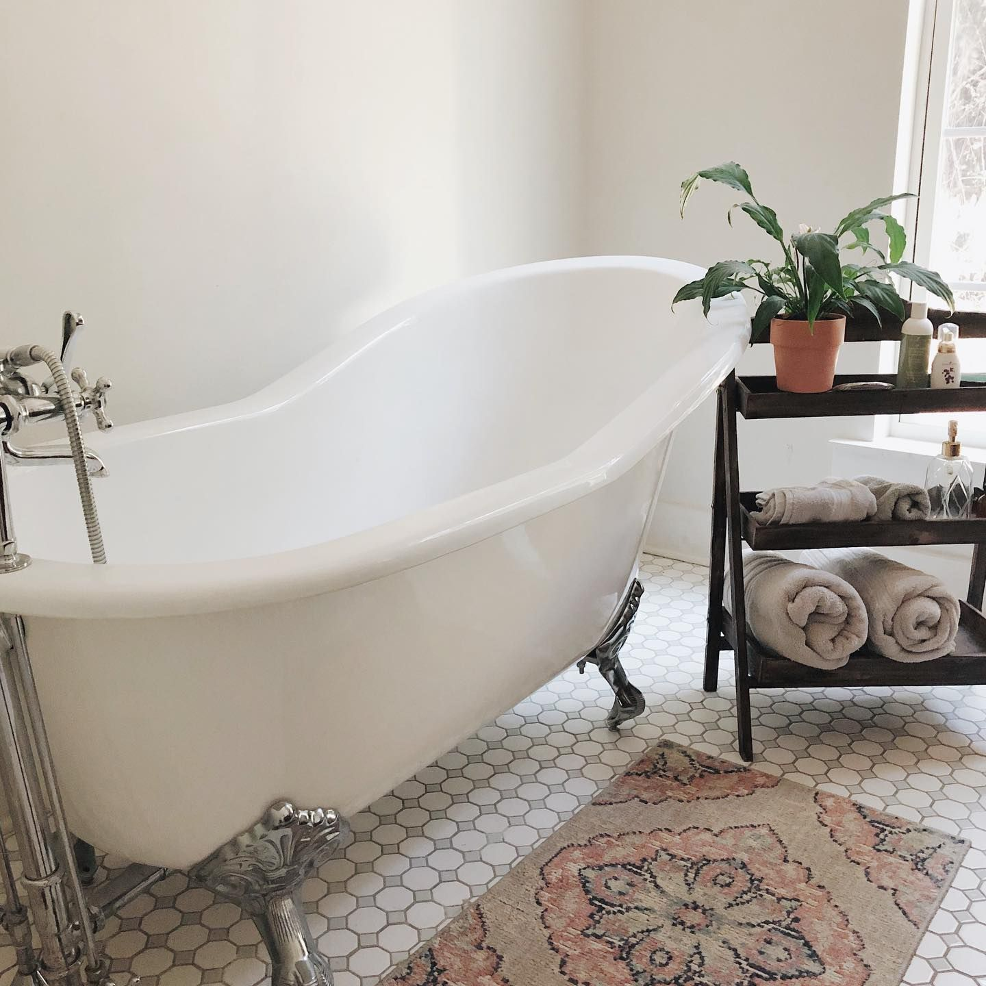Adela 62 Inch Cast Iron Slipper Clawfoot Tub And Shower Package