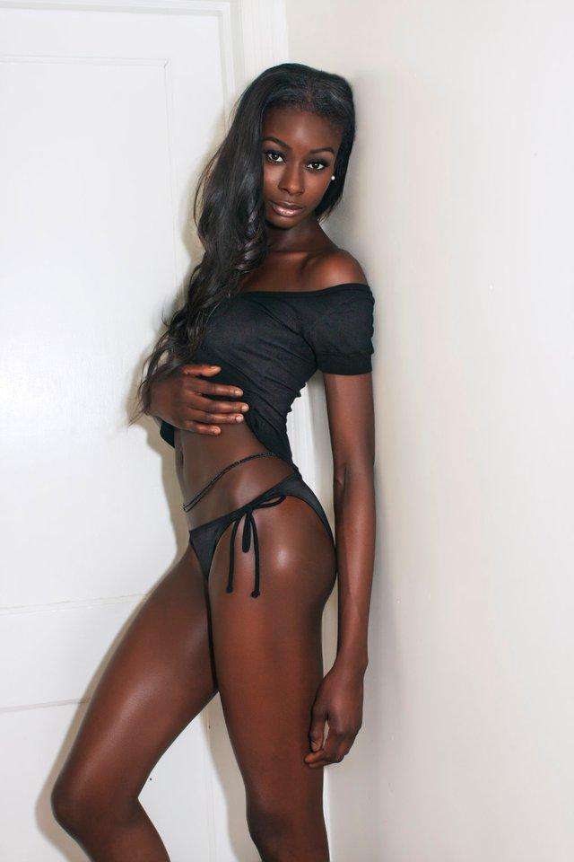 Ebony glamour model