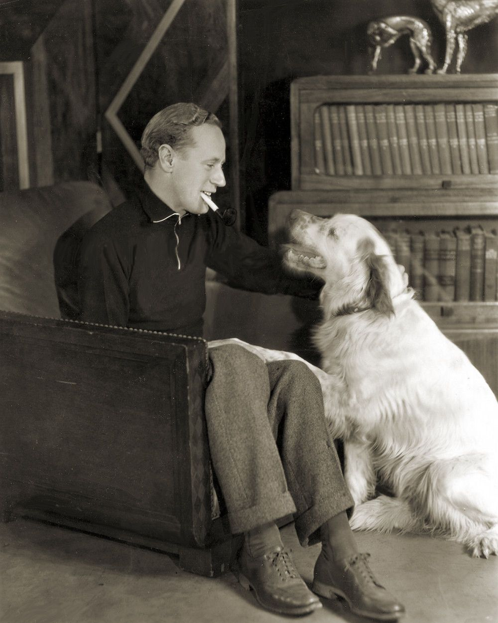 Old Hollywood stars with animals! Leslie howard, Old