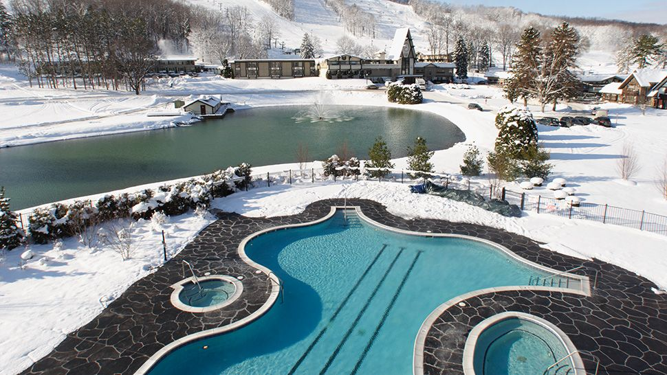 Luxury Ski Spa Golf Waterpark Hotel And Resort In Boyne Falls Michigan Mountain Grand Lodge Is A Water Park That Has The Largest