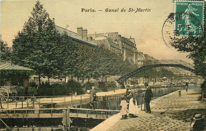 Ecluses et Péniches sur le Canal SaintMartin 1909 à Paris