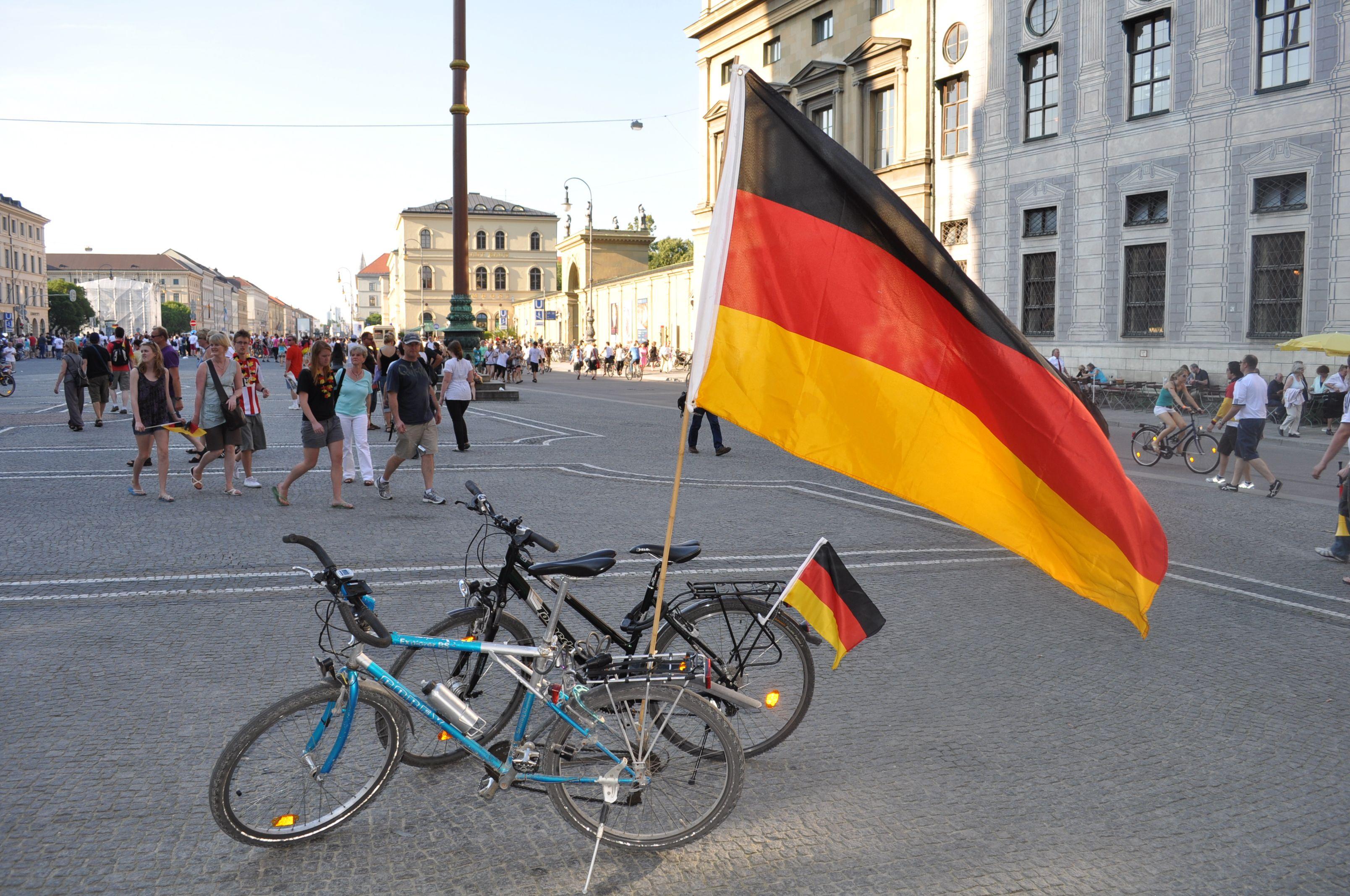 deutschland fahne kaufen deutschlandfahne flags pinterest flags. Black Bedroom Furniture Sets. Home Design Ideas