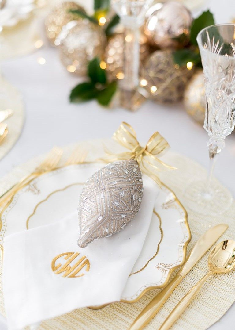 I love this idea, then your guests can take an ornament home. | Home ...